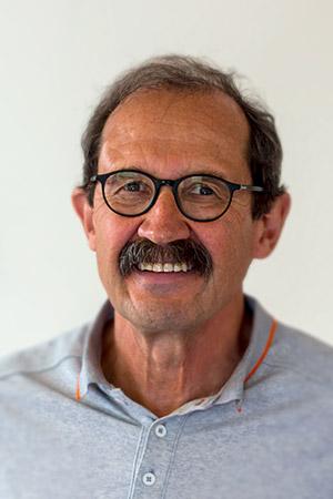 Dr. Peter Hartmann